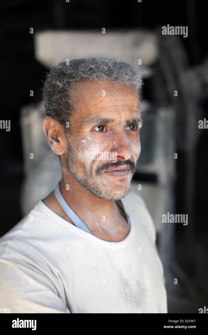 Un baker in Sanaa, Yemen. Immagini Stock
