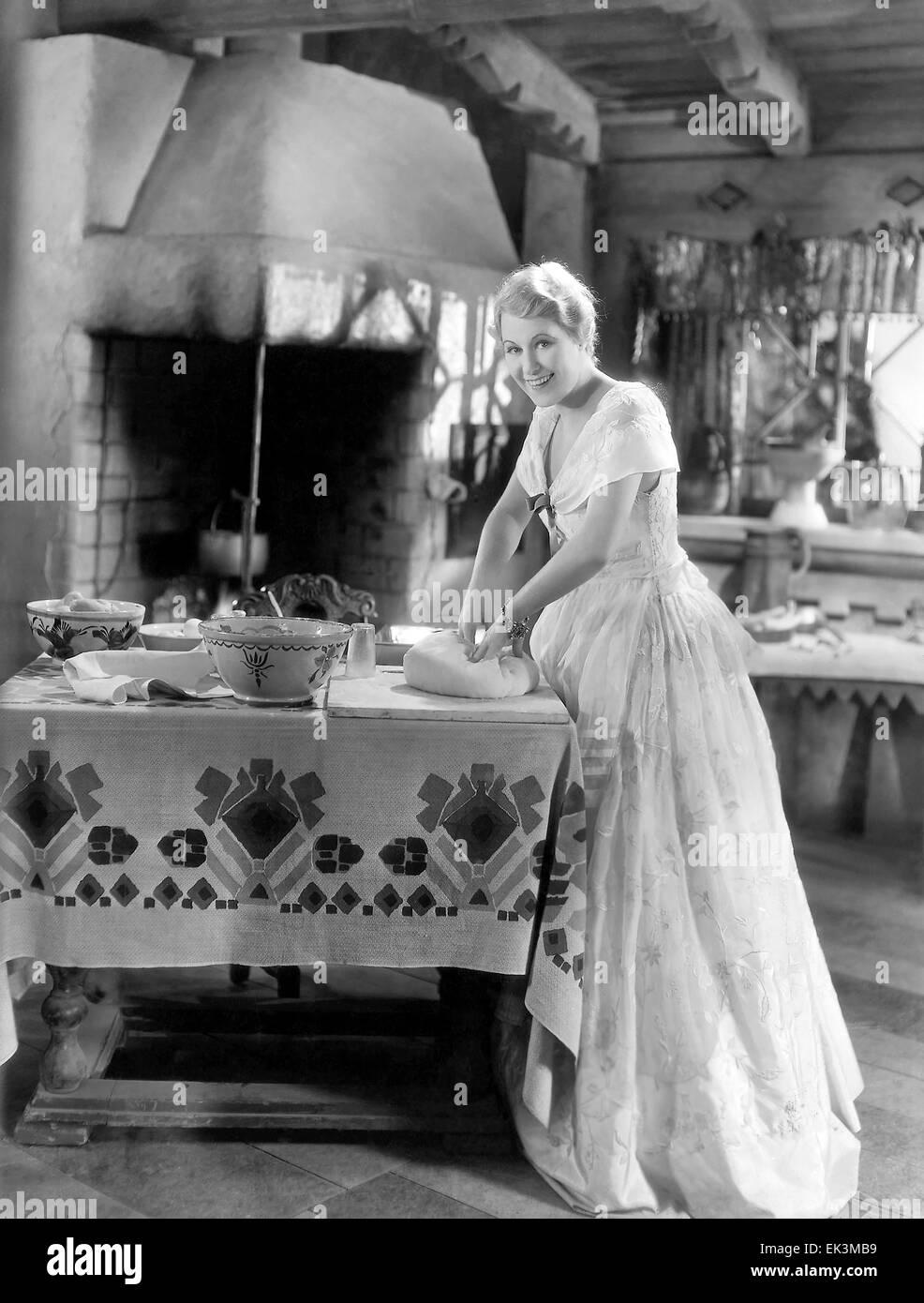 """Grazia Moore, sul set del film """"Una signora morale dell', 1930 Immagini Stock"""