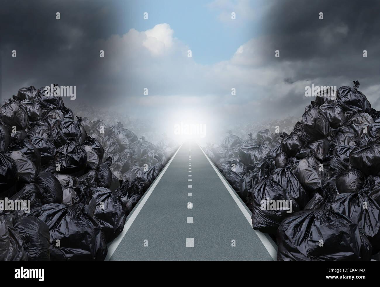 Soluzione di immondizia concetto ambientale come una strada diritta o percorso chiaro taglio attraverso uno sfondo Immagini Stock