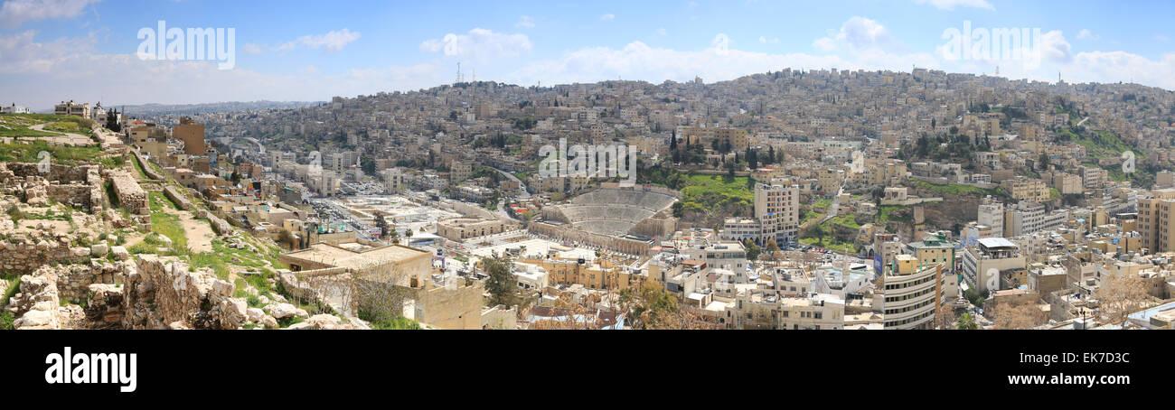Amman, Giordania - Marzo 22,2015: vista panoramica di Amman da una delle colline circostanti la città Immagini Stock