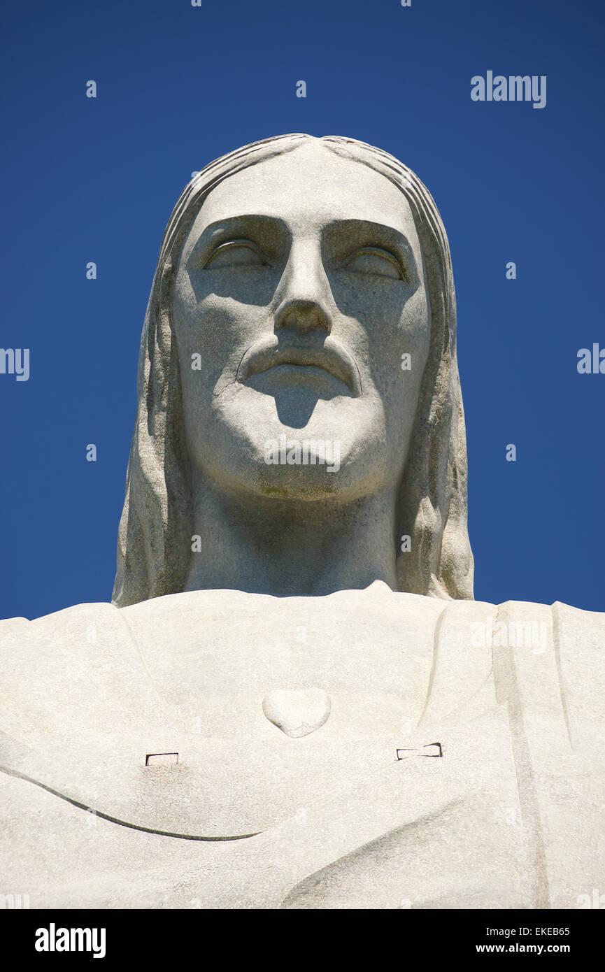 RIO DE JANEIRO, Brasile - 05 Marzo 2015: il volto della statua del Cristo Redentore, uno di Rio più riconoscibili Immagini Stock