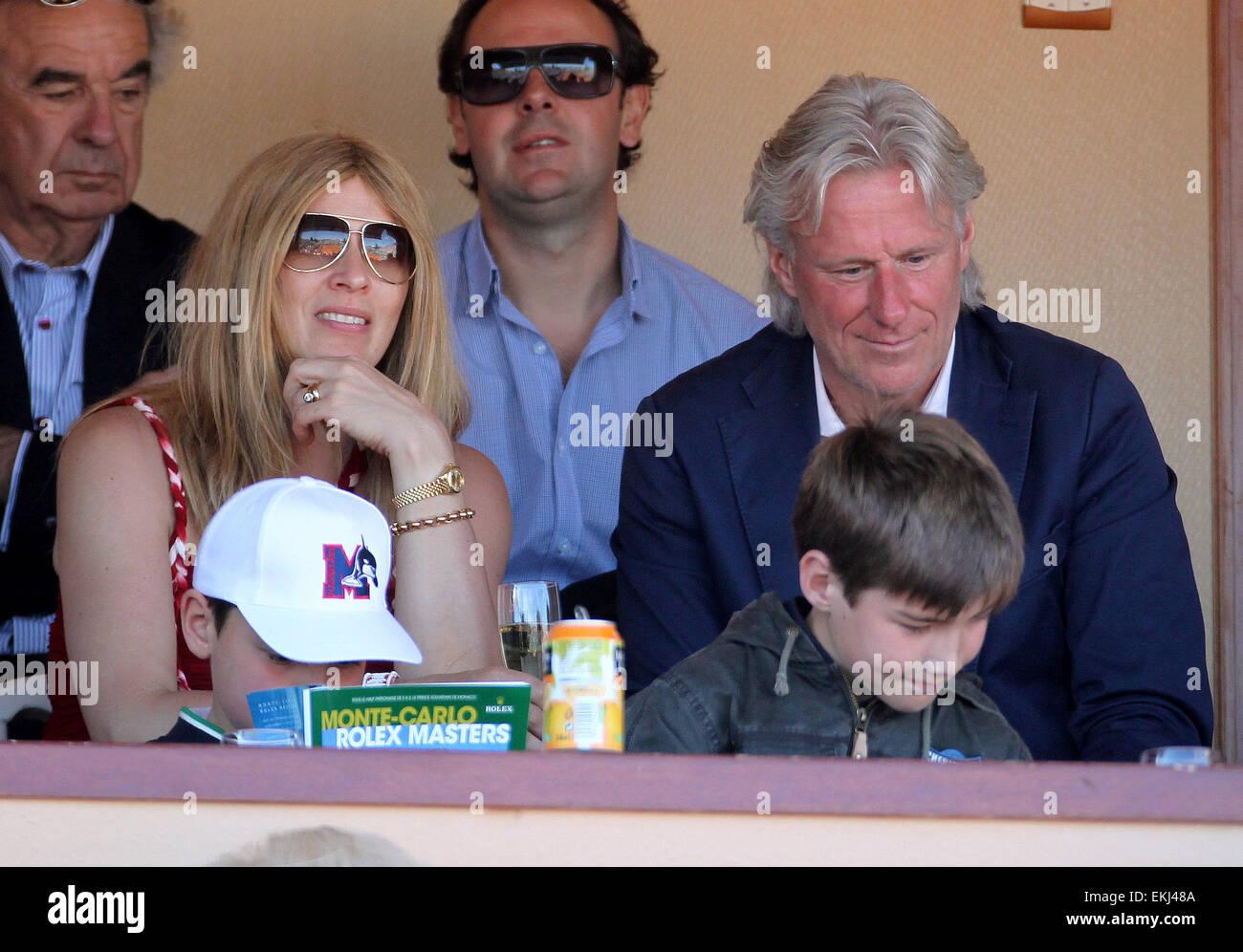 21.aprile.2012. MONACO Bjorn Borg e la moglie di partecipare alle  semifinali A MONTE-CARLO Rolex Masters Foto stock - Alamy