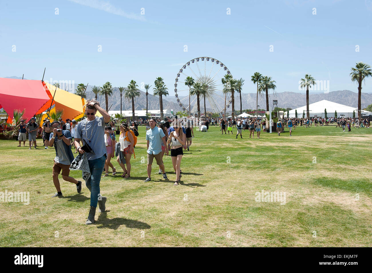 Indio, California, Stati Uniti d'America. 10 Aprile, 2015. L'atmosfera generale del 2015 Coachella Music Immagini Stock