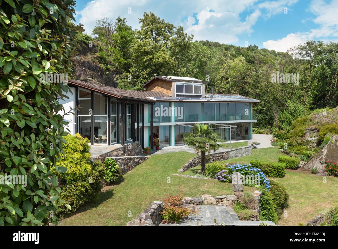 Casa di montagna architettura moderna per esterno foto for Architettura casa moderna