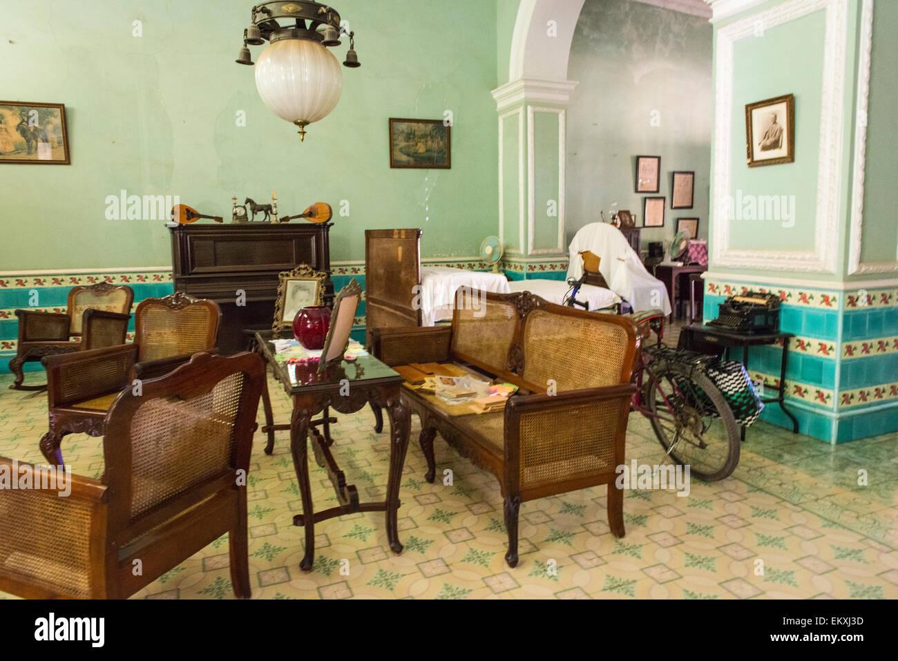 Cubano Casa Vecchia Le Trinidad Mobili Antichi Ornano Cuba Tipica cKl1T3JF