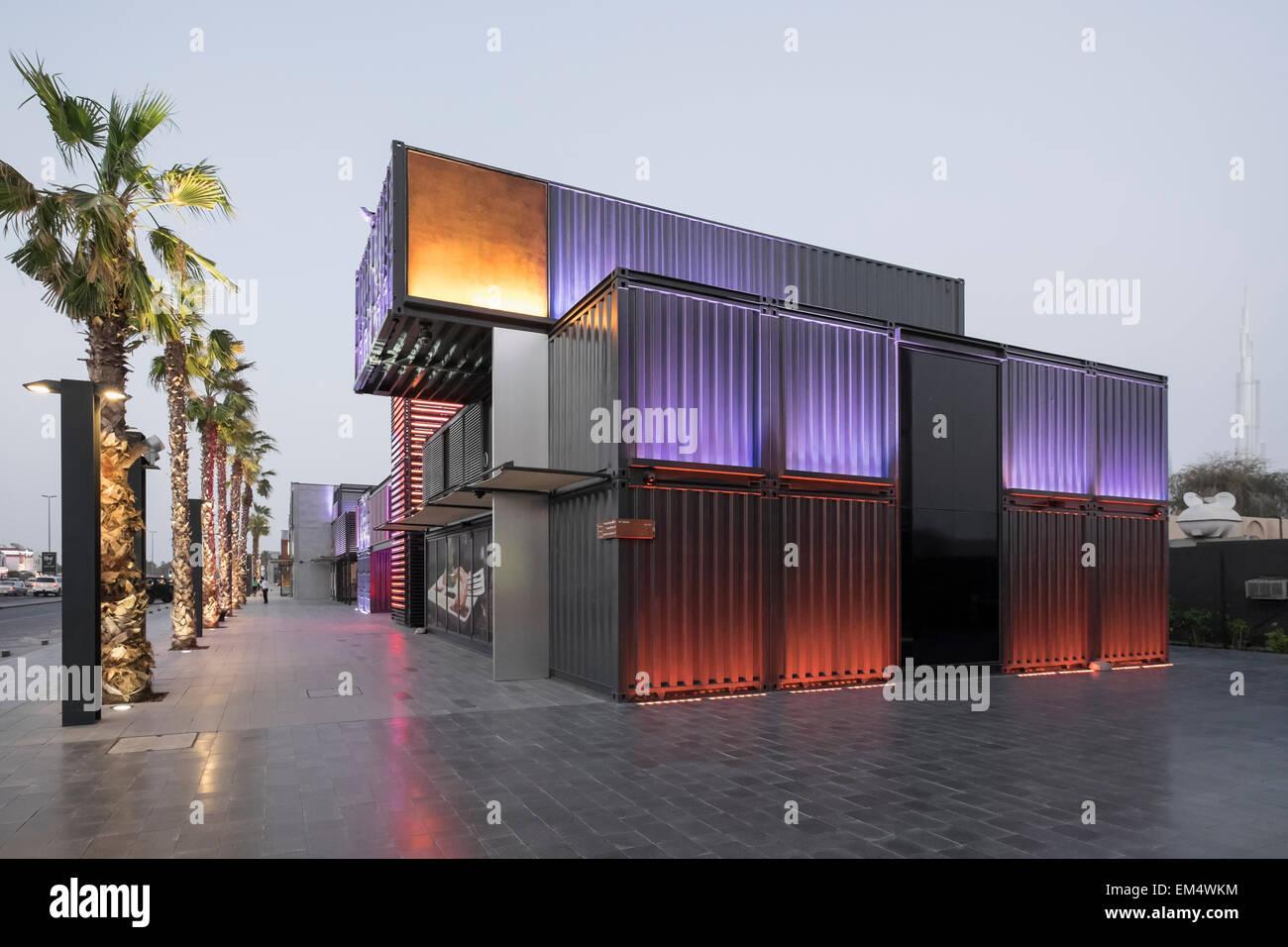 Nuovo Boxpark retail development in Dubai Emirati Arabi Uniti Immagini Stock