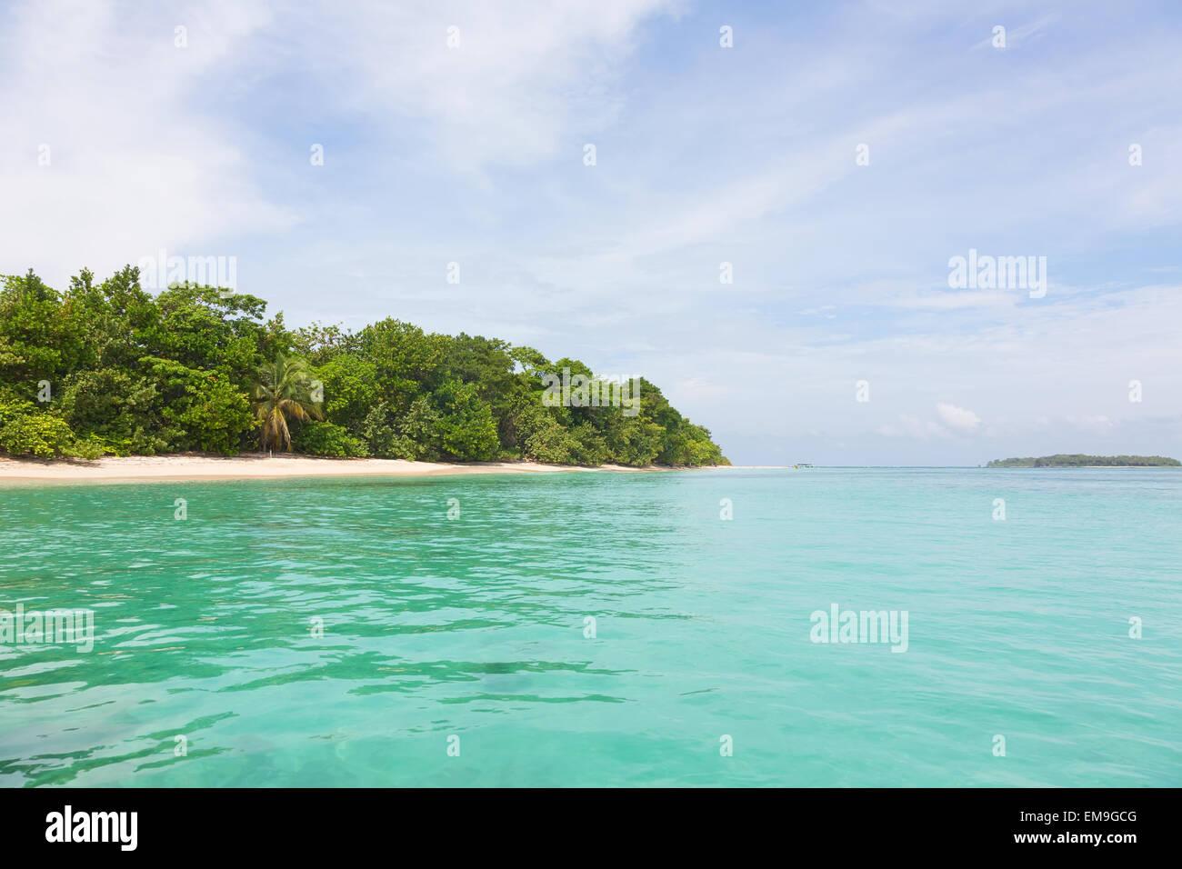 Vista isole Zapatilla dal mare, Panama Immagini Stock