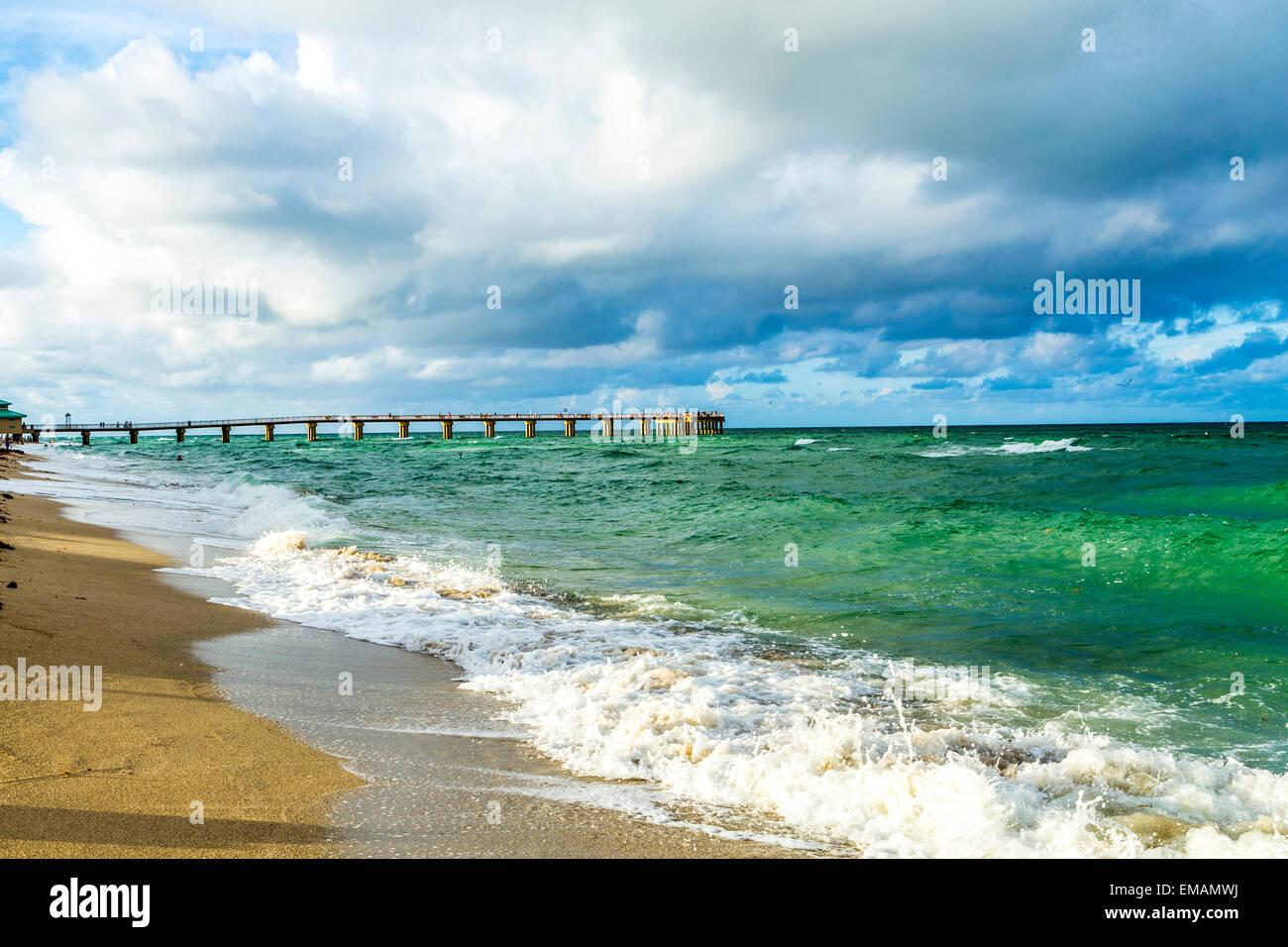 Pier a Sunny Isles Beach e a Miami in Florida Immagini Stock