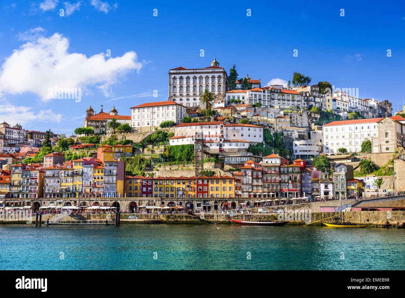 Porto, Portogallo città vecchia sul fiume Douro. Immagini Stock