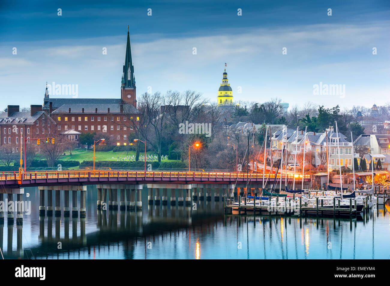 Annapolis, Maryland, Stati Uniti d'America State House e la chiesa di Santa Maria vista oltre a Chesapeake Bay. Immagini Stock