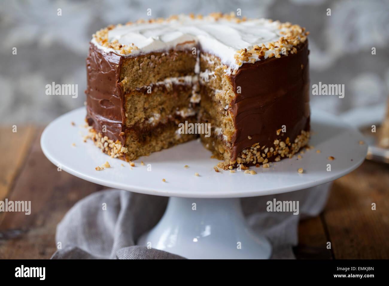 Caffè e torta di nocciole Immagini Stock