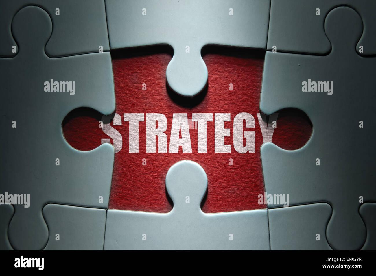 Pezzo mancante da un puzzle che rivelano la strategia di parola Immagini Stock