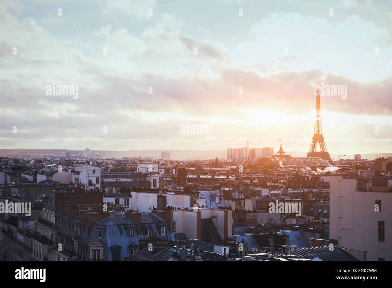 Bella vista di Parigi, Francia, Torre Eiffel al tramonto Immagini Stock