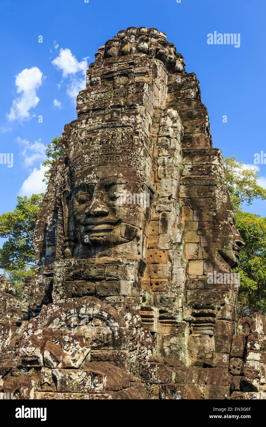 Faccia di pietra torri del tempio Bayon all antica Angkor. Siem Reap, Cambogia Immagini Stock