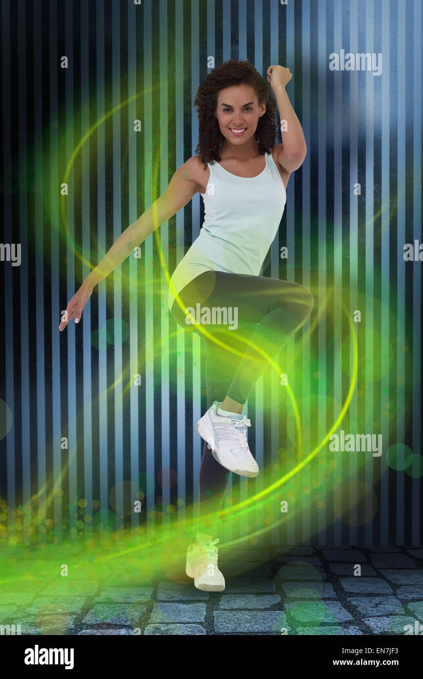 Immagine composita di montare la donna facendo esercizio aerobico Foto Stock