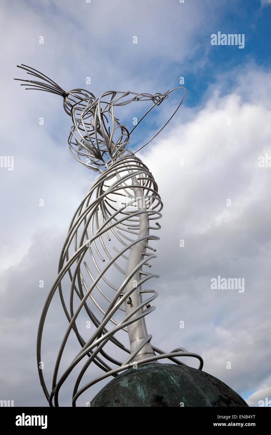In Irlanda del Nord, Belfast, faro di Hop scultura su Oxford Street, conosciuto localmente come Nuala con l'hula. Immagini Stock