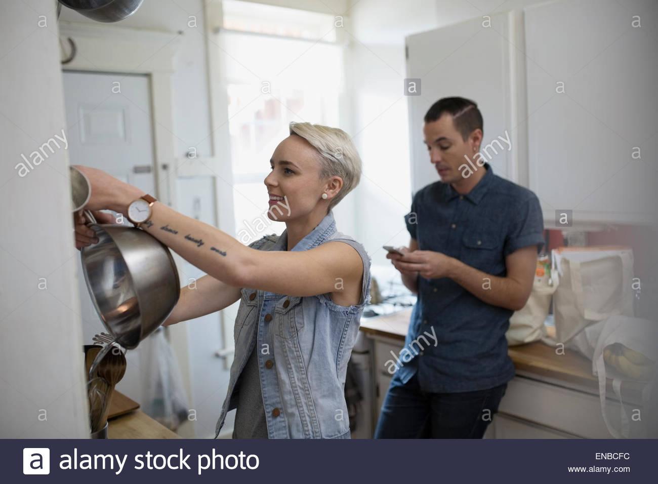 Matura per la cottura in cucina Immagini Stock