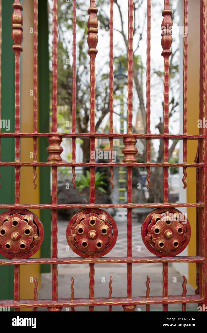 Ferro da stiro gage, Wat Pho tempio buddista, Bangkok, Thailandia, Asia Immagini Stock