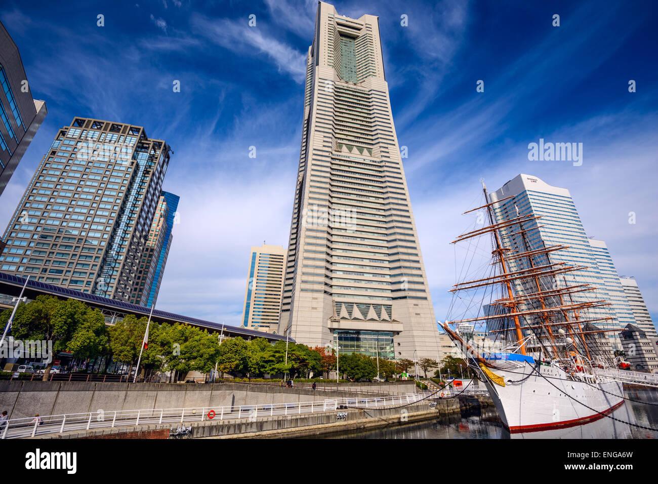 Landmark Tower e Nippon Maru nave museo nel Nippon Maru Memorial Park. Immagini Stock