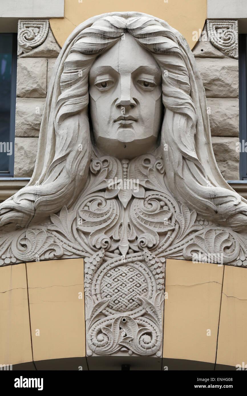 Sul lato anteriore di un edificio in Art Nouveau a Riga,LETTONIA,l'Europa Immagini Stock