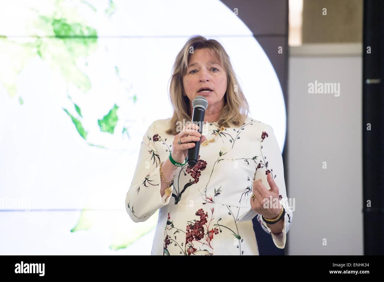 Dott.ssa Ellen Stofan, Chief Scientist presso la NASA parla durante un giorno di terra evento presso la Union Station Immagini Stock