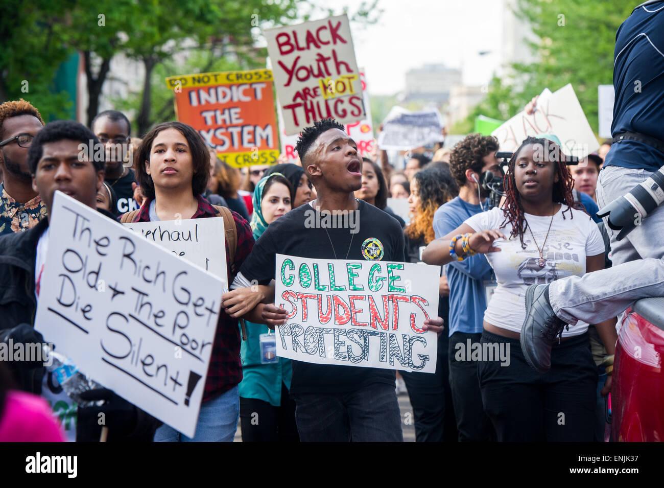 Dimostrazione di Baltimora marcia di protesta dopo Freddie morte grigio Immagini Stock
