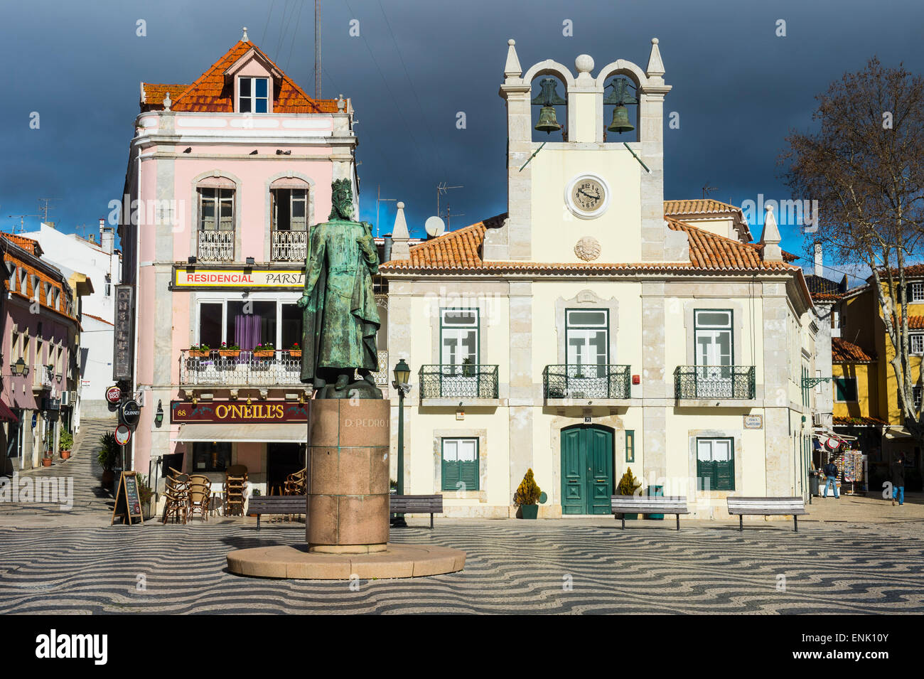 Lungomare Passeio Dom Luis, nella cittadina balneare di Cascais, Portogallo, Europa Immagini Stock