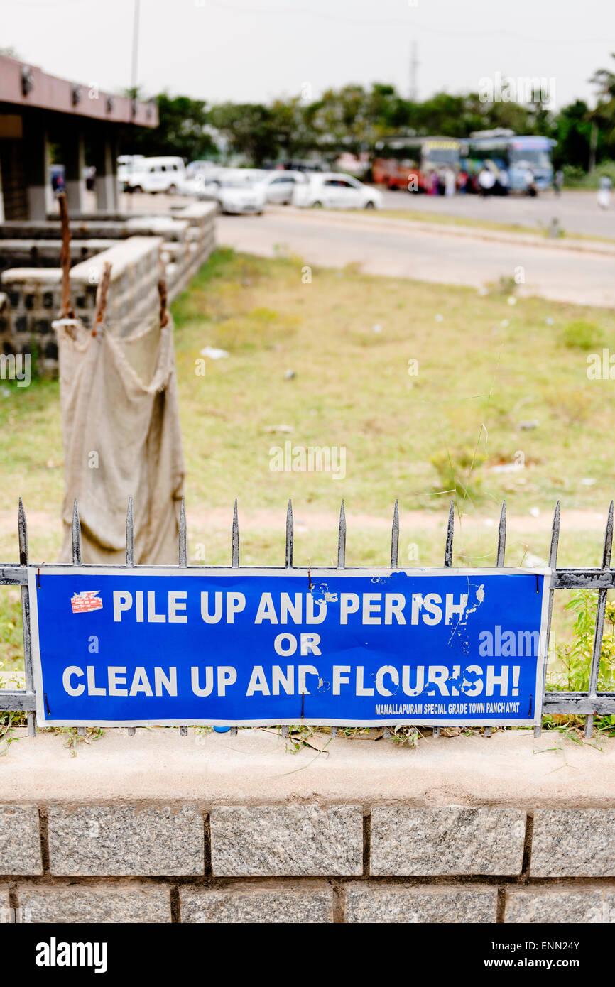 Palo Alto e muoia o ripulire e fiorire! Mamallapuram. Immagini Stock