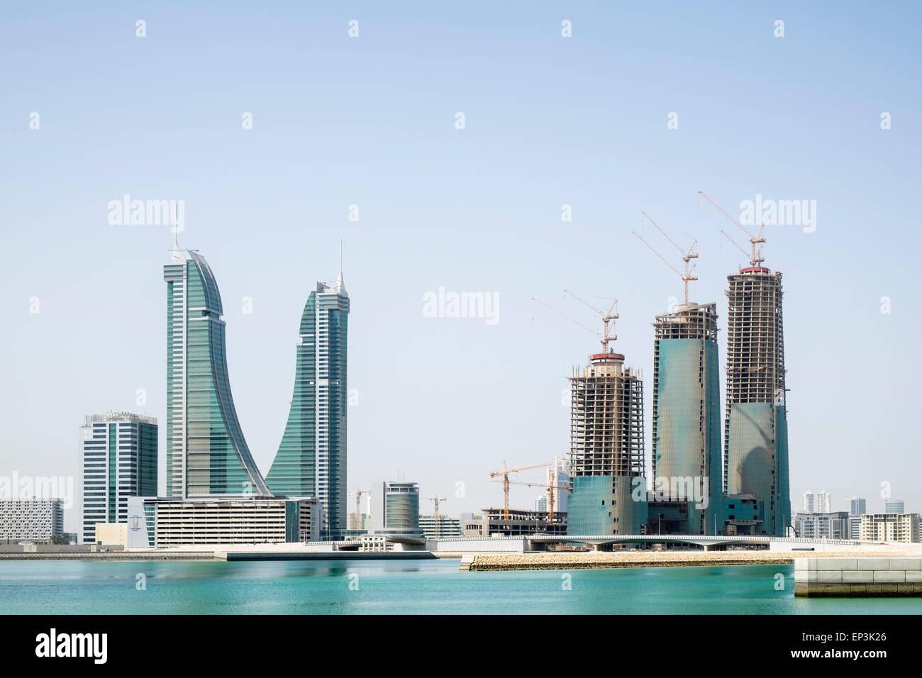Vista del nuovo ufficio torri in costruzione presso il Bahrain Financial Harbour district in Manama Bahrain Immagini Stock