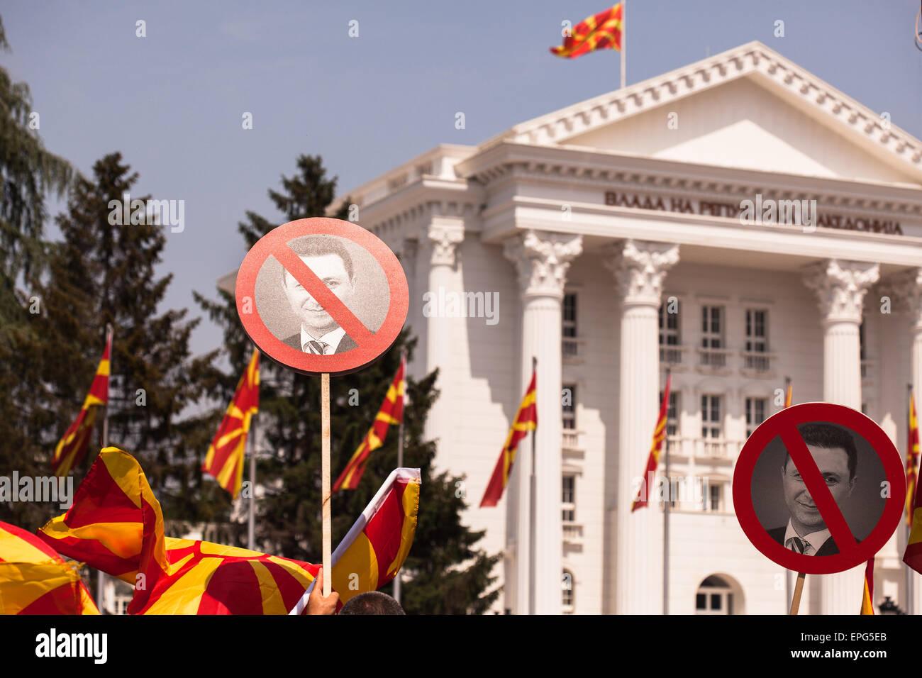 1ff36121d SKOPJE, MACEDONIA - 17 Maggio 2015: multietnical massicce manifestazioni di  protesta contro il governo e il Primo ministro Nikola Gruevski dopo l ...