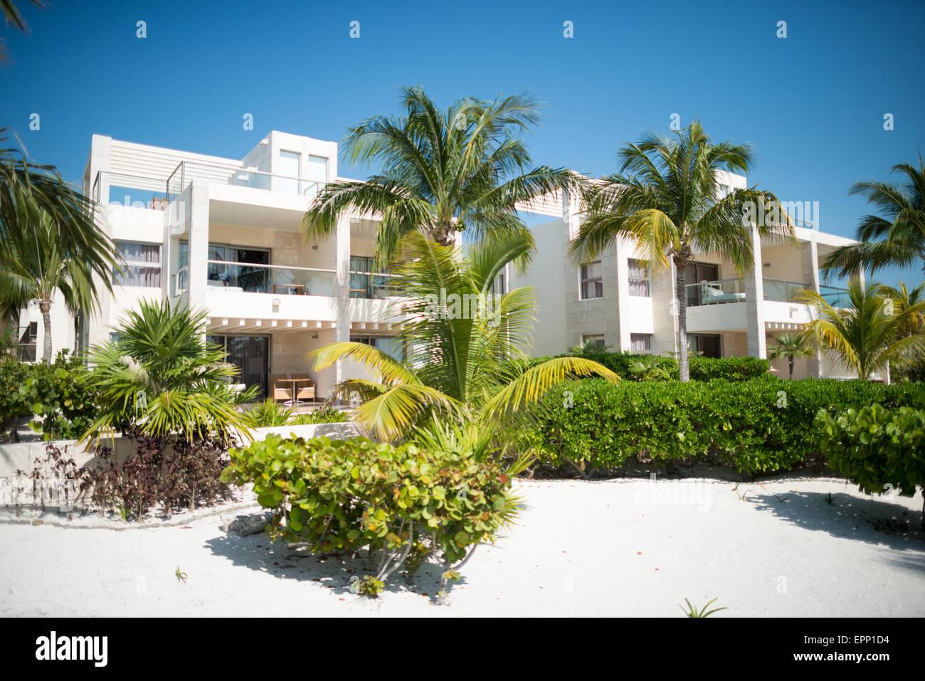 L amata hotel playa mujeres messico si trova appena a nord di