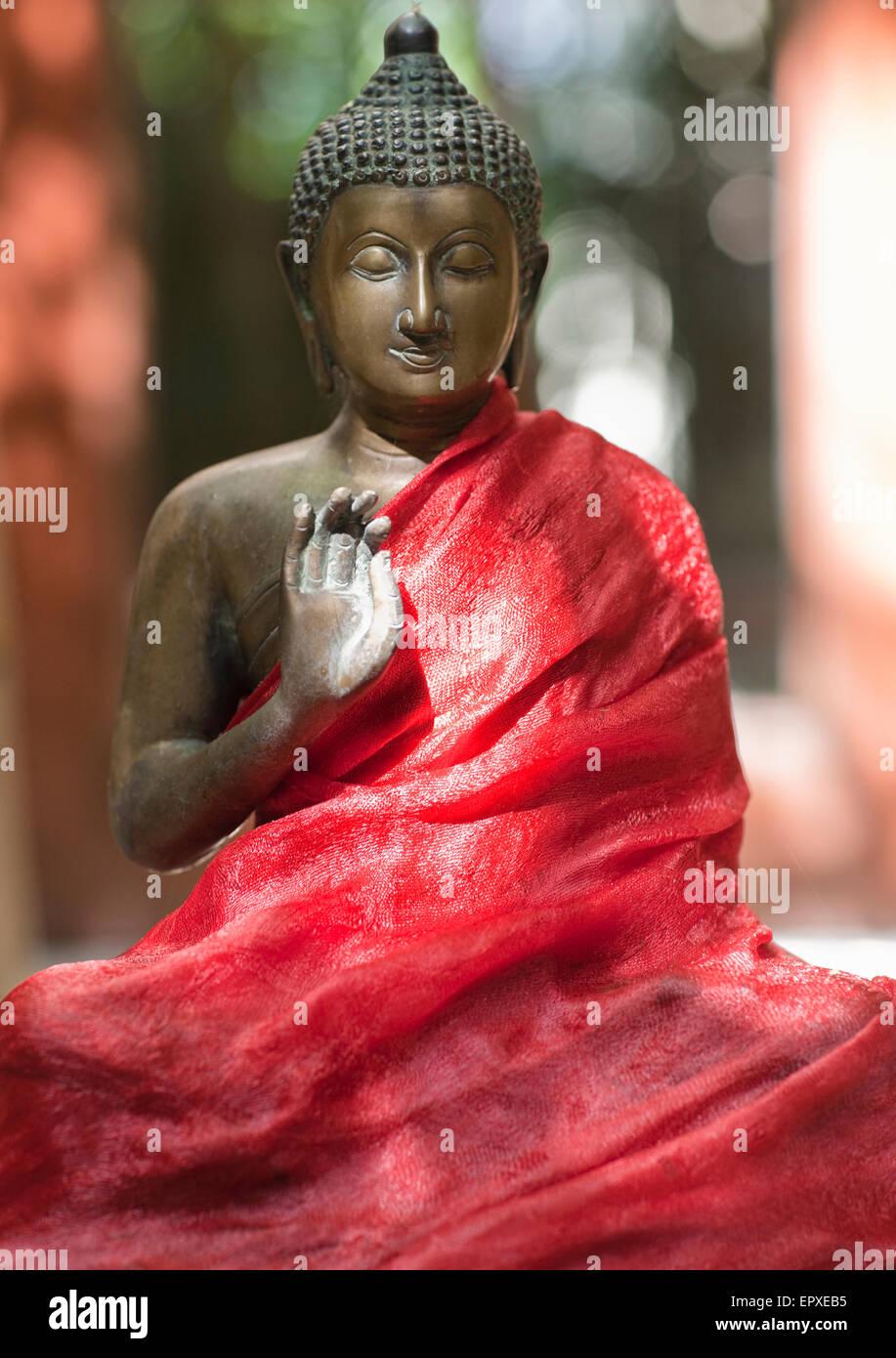 Statua del Buddha ad Ananda Spa, Ananda in Himalaya, Il Palace Station Wagon, Narendra Nagar, Tehri Garhwal, Uttarakhand, Immagini Stock
