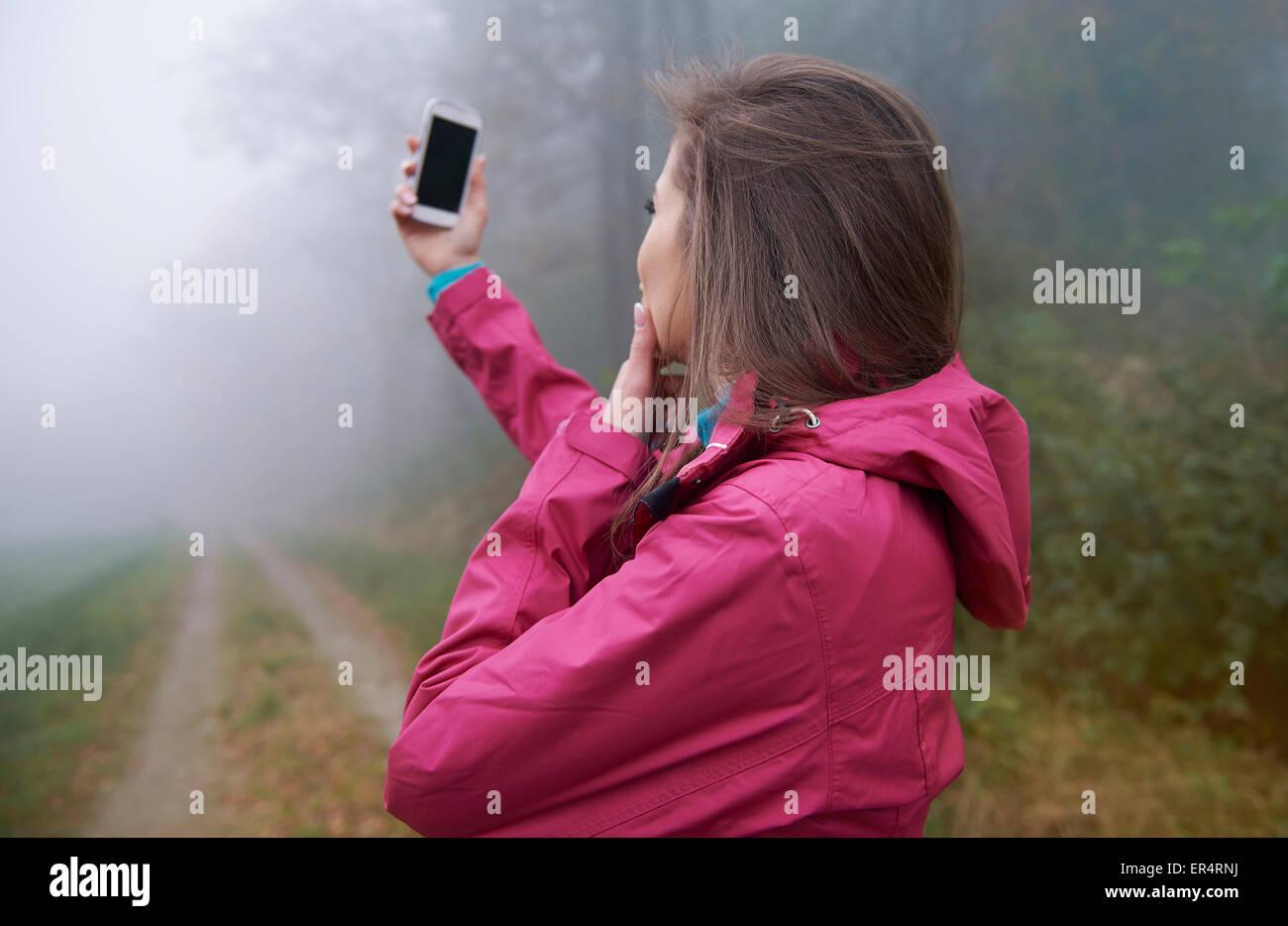 Ho bisogno di segnale sul mio telefono cellulare. Debica, Polonia Immagini Stock