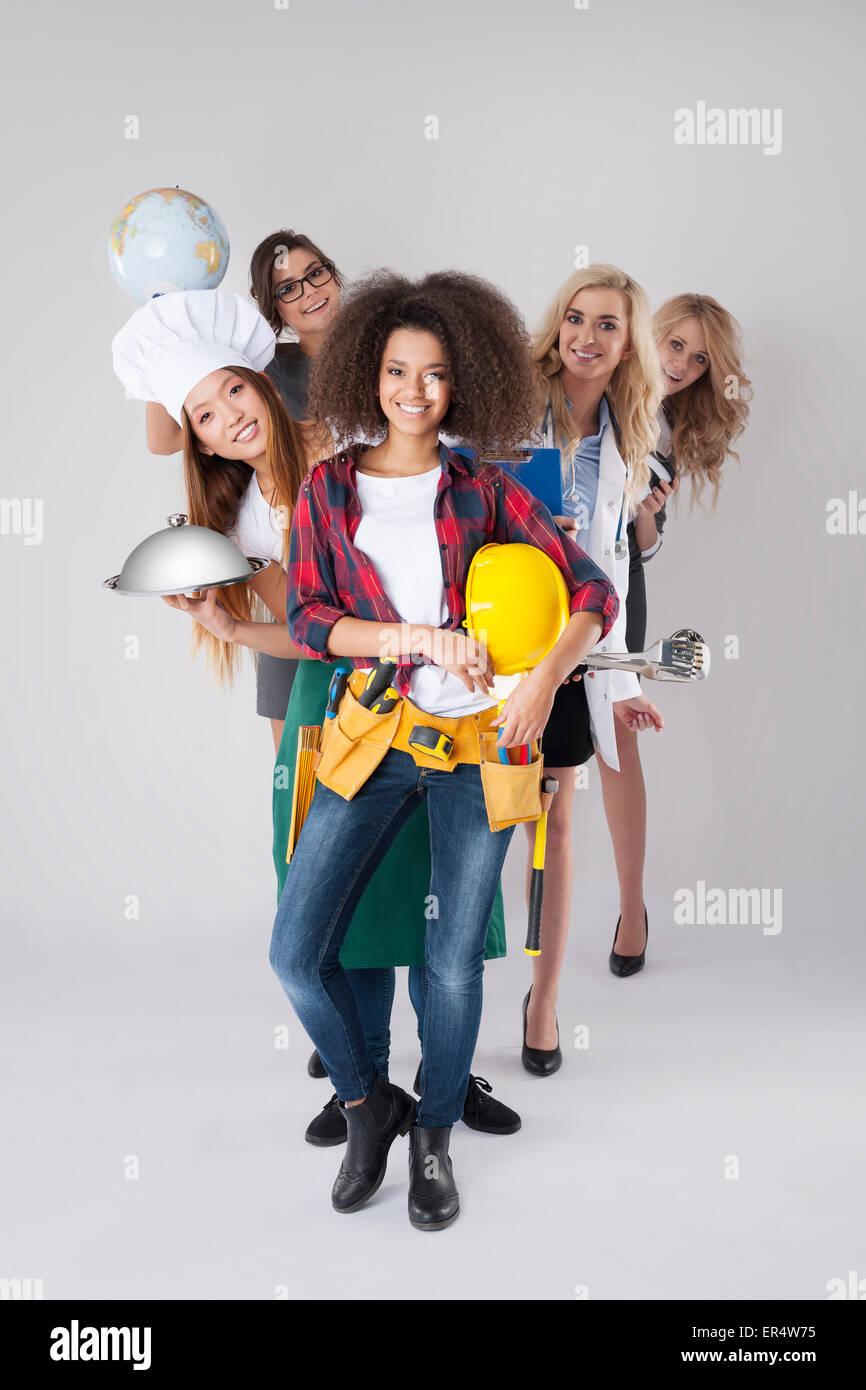 Occupazioni diverse delle giovani donne. Debica, Polonia Immagini Stock