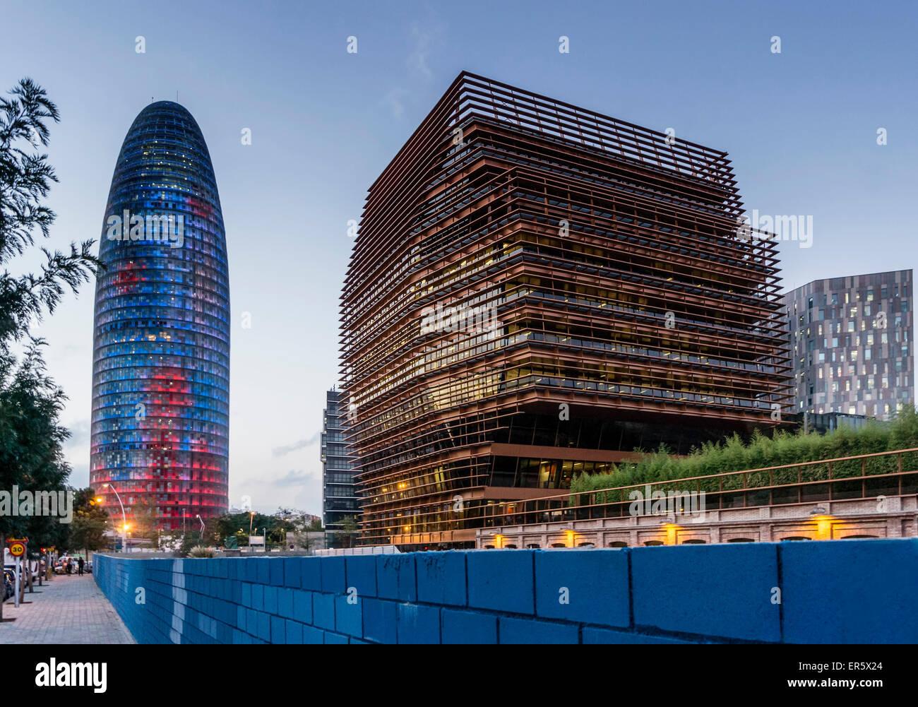 Torre Agbar, sedi di CMT, architettura moderna, Barcellona, Spagna Immagini Stock
