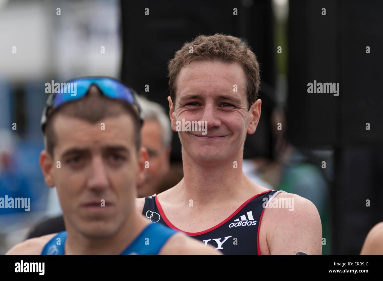 Hyde Park, London, Regno Unito. 31 Maggio, 2015. Parte dell'ITU Triathlon World Series, Uomini Elite di gara Immagini Stock