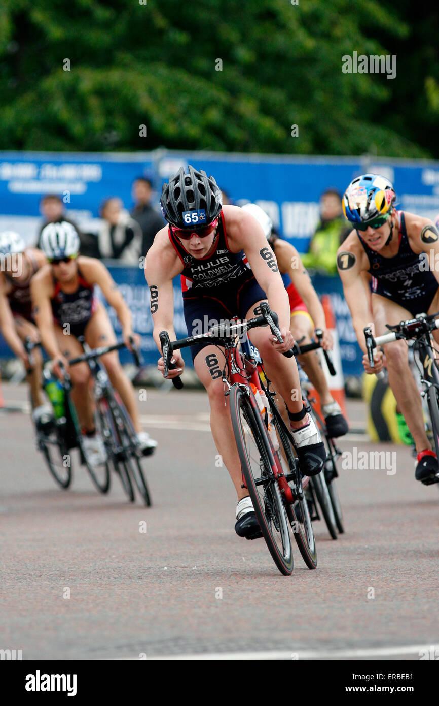 Londra, Regno Unito. 31 Maggio, 2015. Sophie Coldwell (GBR) cicli in anticipo o il suo gruppo durante la vitalità Immagini Stock