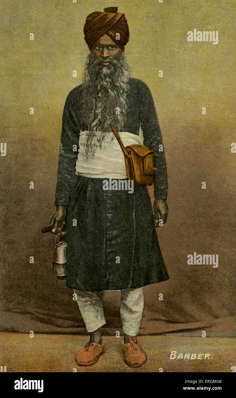 La religione sikh barbiere, tenendo sissors e una lanterna. Colorised fotografia scattata nei primi anni del XX Immagini Stock