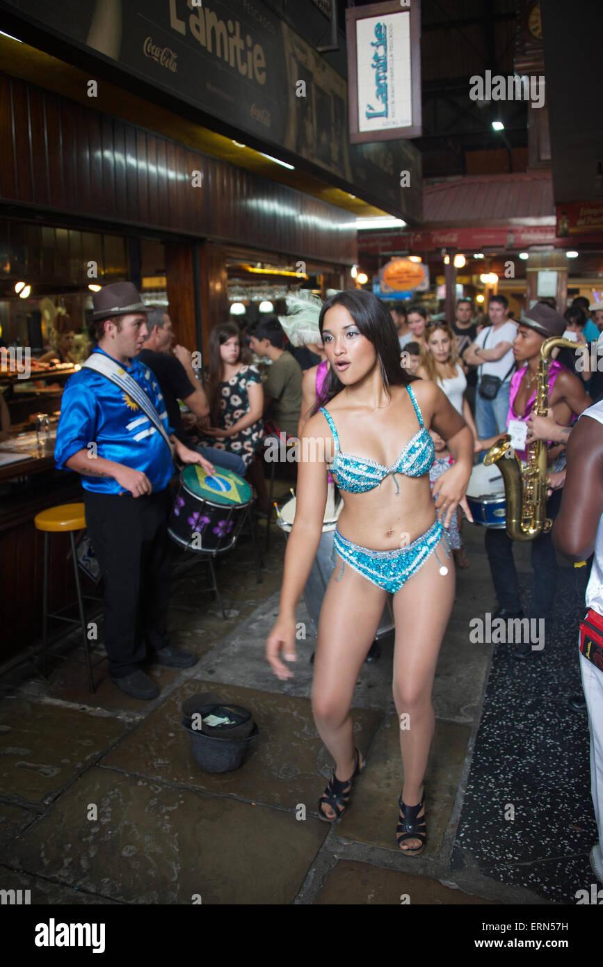 Ballerino femmina porto di mercato Cuidad Viejo Montevideo Uruguay Immagini Stock