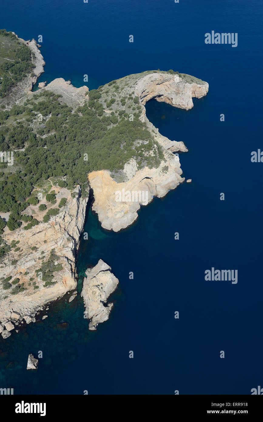 La punta del promontorio MILA (vista aerea). L'Escala, Costa Brava Catalogna. Immagini Stock