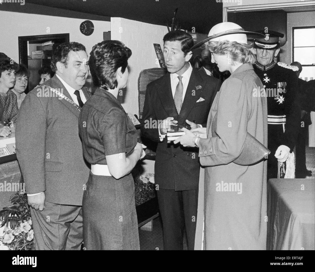 Home fatto regali da Middlesbrough Enterprise Centre sono consegnati alla fine della Francesca Hughes al principe Immagini Stock