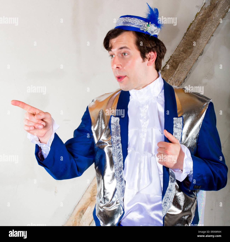 Costume uomo maggiordomo vittoriano inglese
