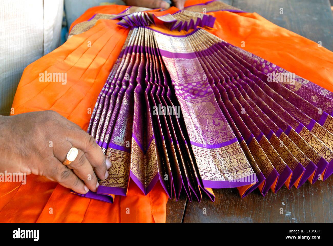 Costume da ballo di Bharatanatyam , madras , Chennai ; Tamil Nadu ; India , asia Foto Stock