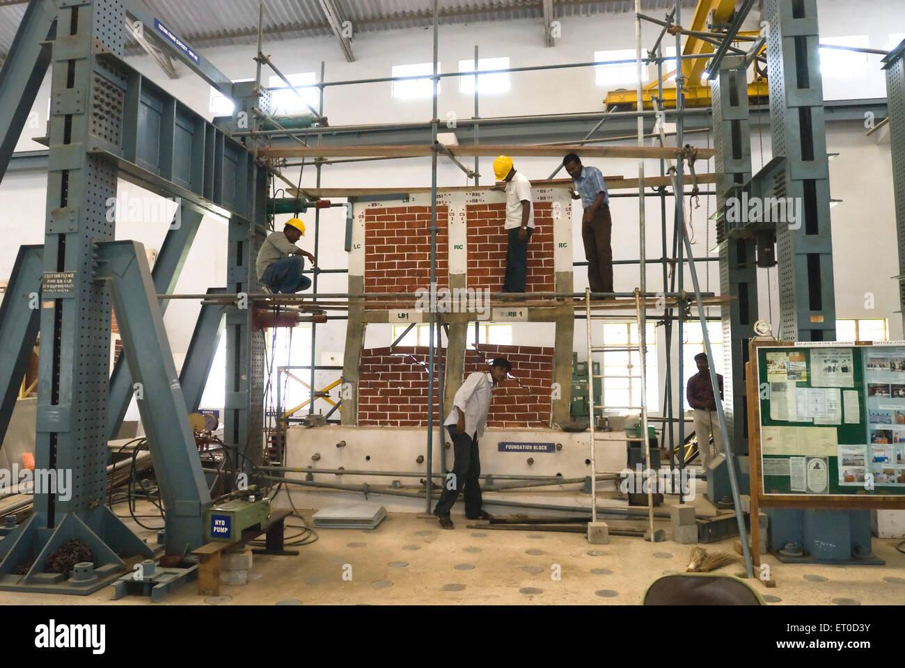 Ingegneria civile lab in coimbatore Institute of technology college di ingegneria ; Tamil Nadu ; India Immagini Stock