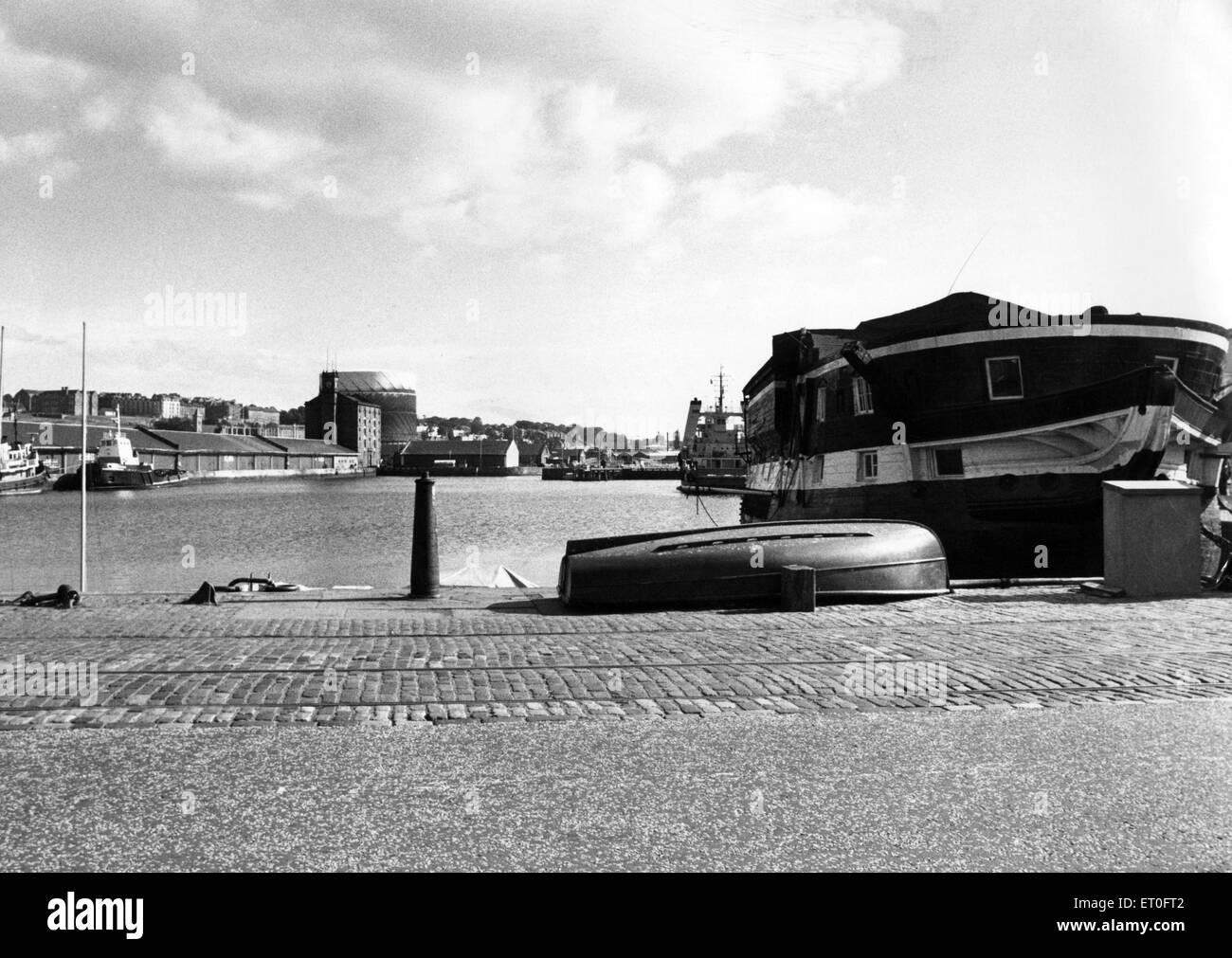 Un quasi vuoto Dundee Porto. Il 4 settembre 1976. Immagini Stock