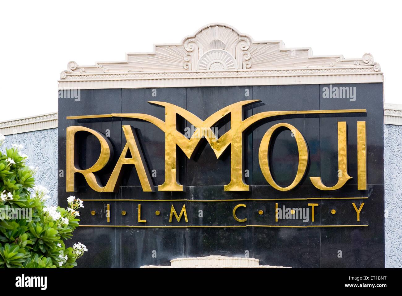 Cartello di ramoji film city ; Hyderabad ; Andhra Pradesh ; India Immagini Stock