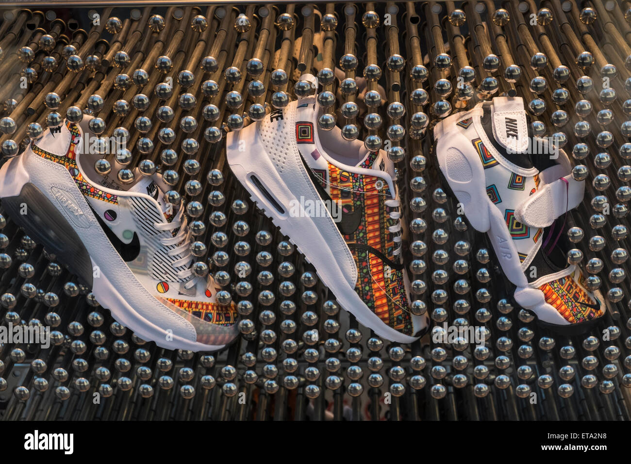 7028ecbc2d Nike Trainers Immagini & Nike Trainers Fotos Stock - Alamy