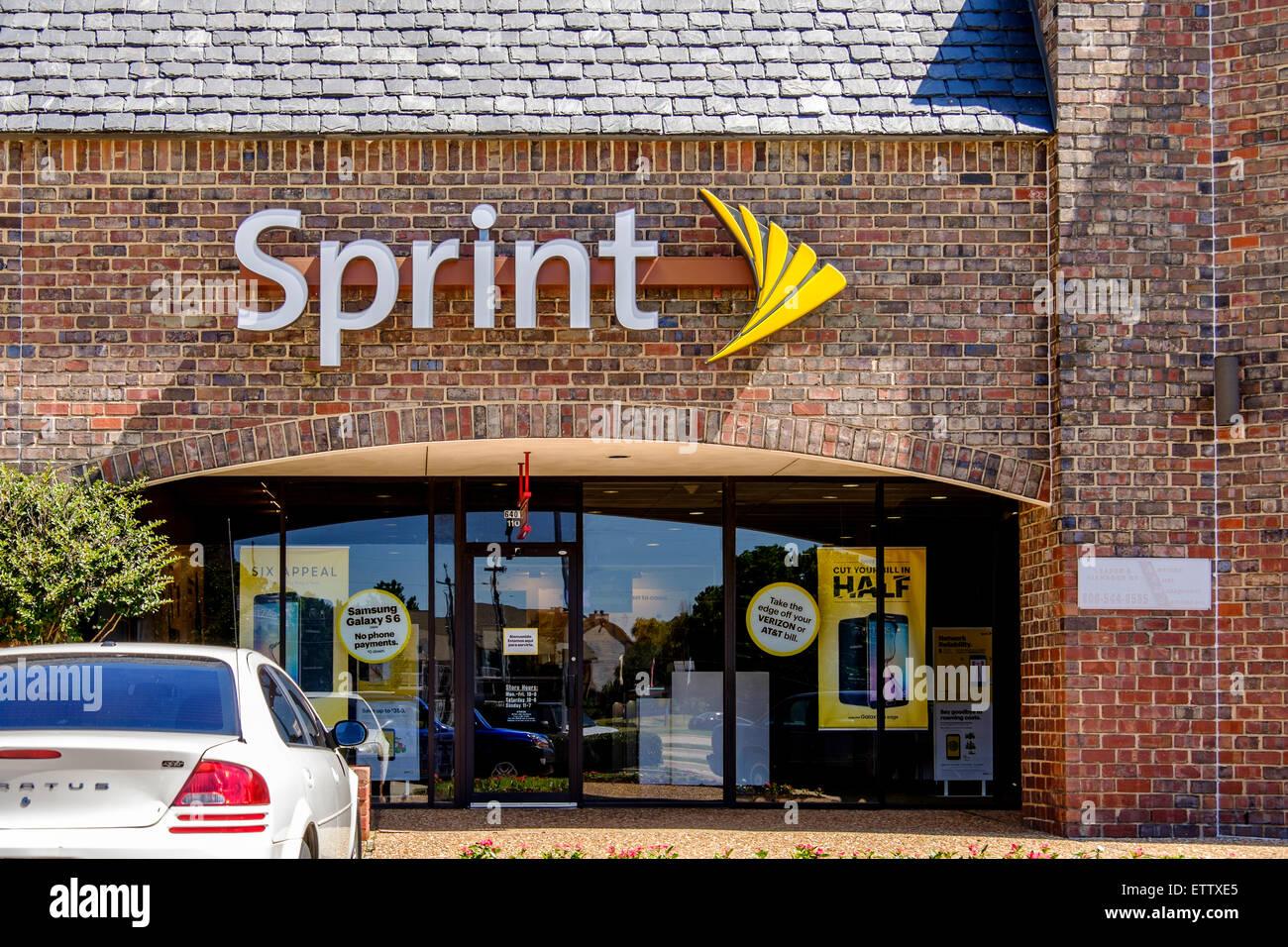 L'esterno di uno sprint telecommunication store. Foto Stock