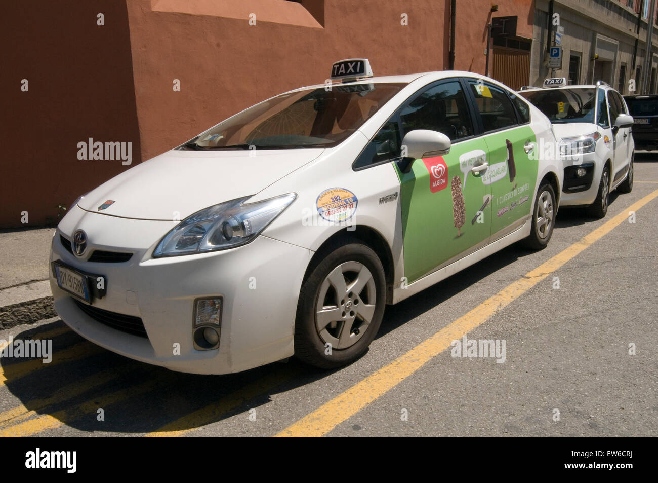 Prius pirus Toyota Hybrid hybred auto automobili taxi giapponese Immagini Stock