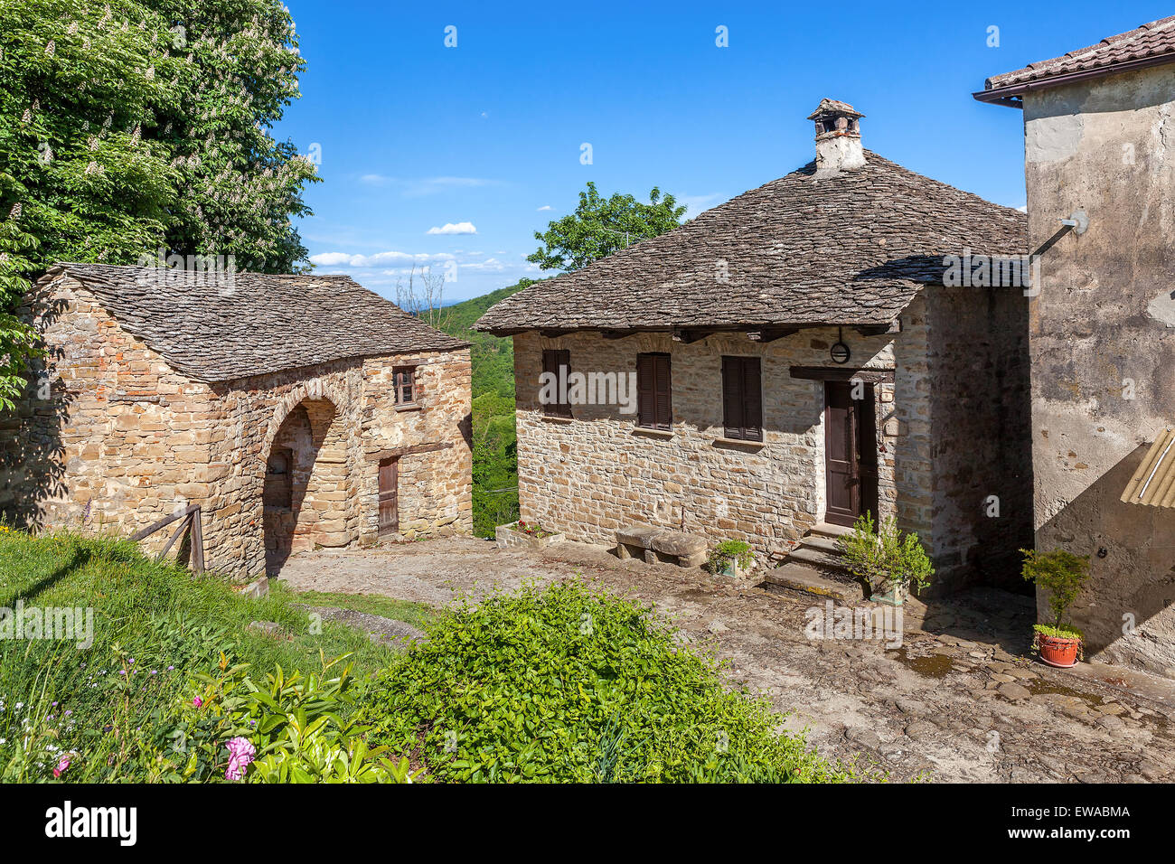 Case In Pietra Antiche : Casa di pietra angolo case · foto gratis su pixabay